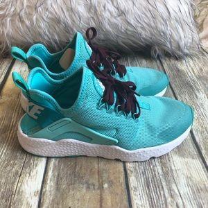 Nike Huarache's Rare color *Worn Once* 🦕